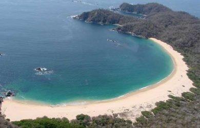 Bahía de Chachacual en Huatulco Oaxaca México