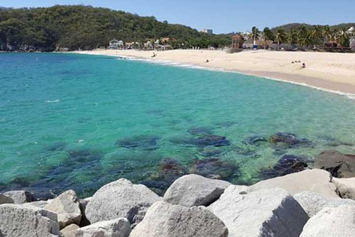 bahía de chahué en huatulco oaxaca
