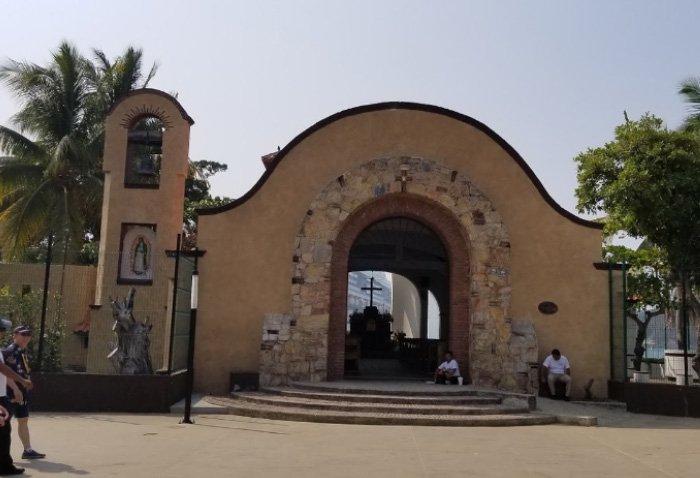 Capilla de la Santa Cruz Milenaria de Huatulco