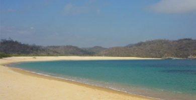 playa chachacual huatulco